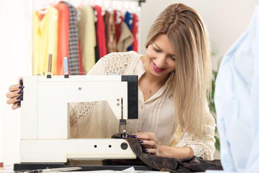 Young Fashion Designer Sew