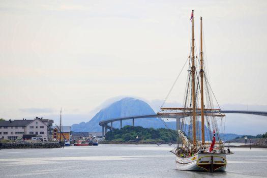 Galeasen Loyal av Bergen  ank. Brønnøysund