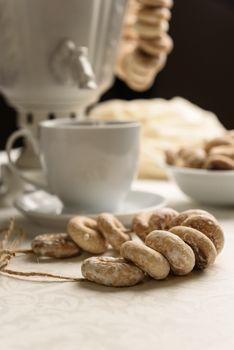 bagels and hot tea