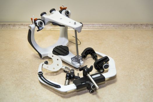 Articulator and face bow