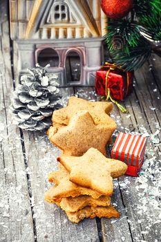 Set homemade Christmas shortbread and Christmas decorations