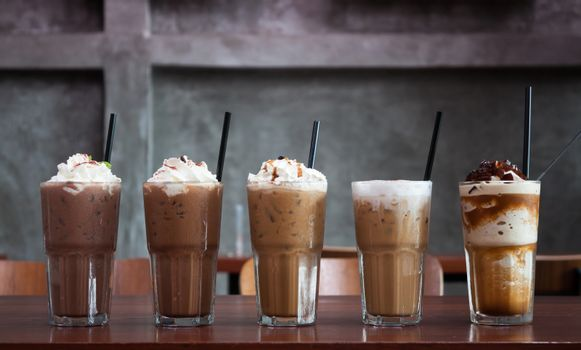 Five different kind of iced coffee in coffee shop