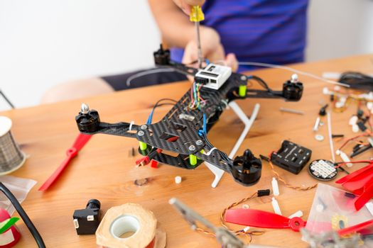 Connecting the component on flying drone