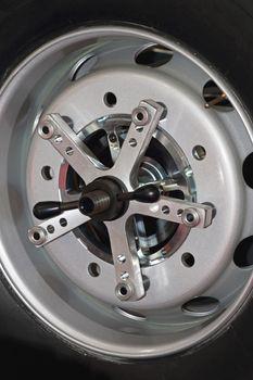 Wheel Alignment Precision Measurement Equipment at Truck Tyre