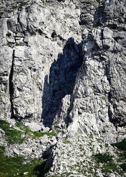 entry into the rocky ravine