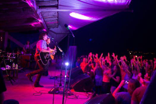 Crowd at the Indigo Girls Concert