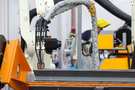 Industrial welding robotic arm