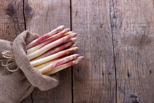 Bunch of white asparagus