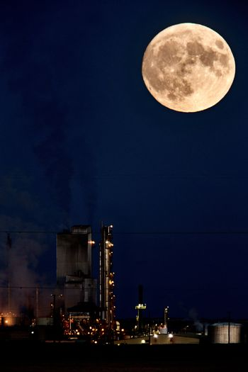 Refinery and super moon
