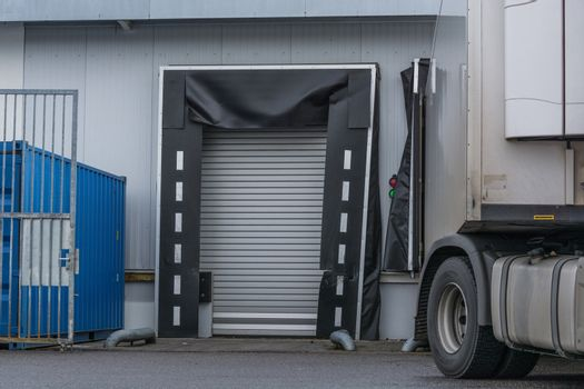 Truck for unloading or loading at the depot of a forwarding company.