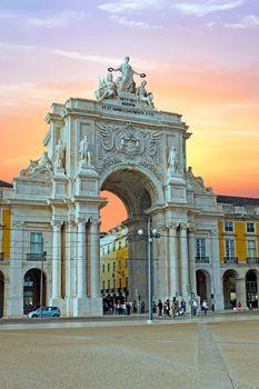Rua Augusta Arch is a stone, triumphal arch-like, historical bui