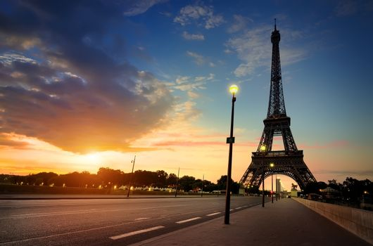 Cloudy sunrise in Paris