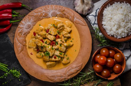 Chicken curry with herbs