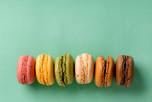 Macarons in line