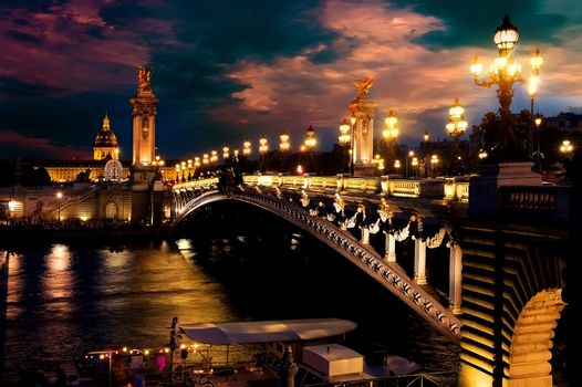 Night over bridge