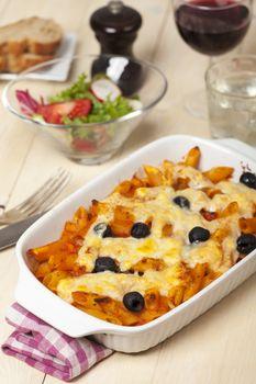 rigatoni pasta with olivesand wine