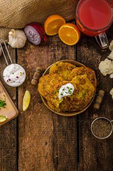 Cauliflower curry pancakes
