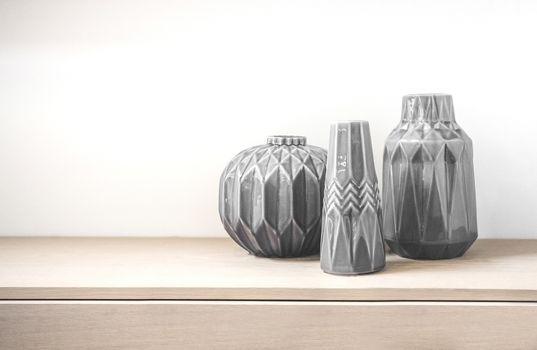 Tree vases made in porcelain