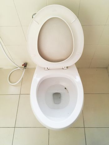 Quit Smoking Cigarettes in the toilet