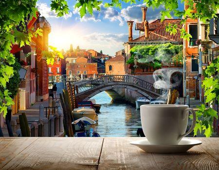 Coffee break in Venice