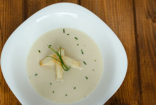 Leek soup with toast