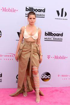 Halsey at the 2017 Billboard Awards Arrivals, T-Mobile Arena, Las Vegas, NV 05-21-17