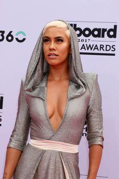 Sibley Scoles at the 2017 Billboard Awards Arrivals, T-Mobile Arena, Las Vegas, NV 05-21-17