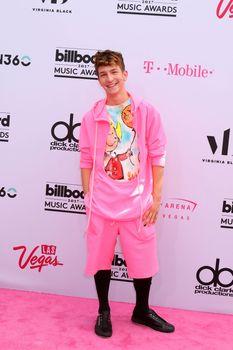 Chris Oflyng at the 2017 Billboard Awards Arrivals, T-Mobile Arena, Las Vegas, NV 05-21-17