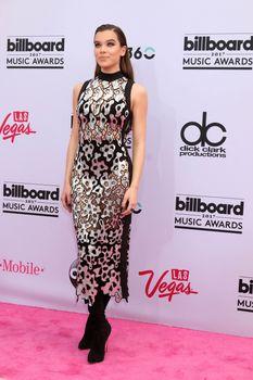 Hailee Steinfeld at the 2017 Billboard Awards Arrivals, T-Mobile Arena, Las Vegas, NV 05-21-17