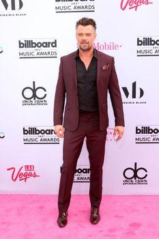 Josh Duhamel at the 2017 Billboard Awards Arrivals, T-Mobile Arena, Las Vegas, NV 05-21-17