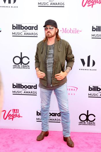 Billy Ray Cyrus at the 2017 Billboard Awards Arrivals, T-Mobile Arena, Las Vegas, NV 05-21-17