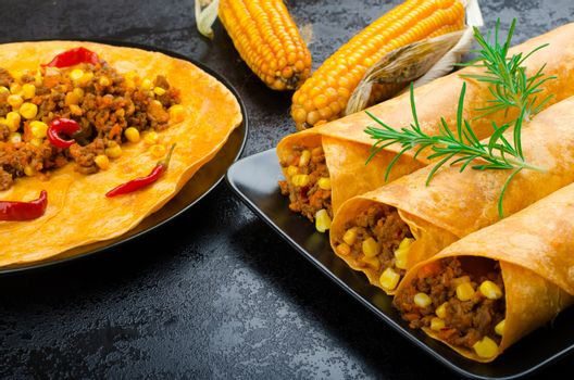 Tomato tortilla with spicy meat mixture