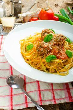 New York meatballs pasta