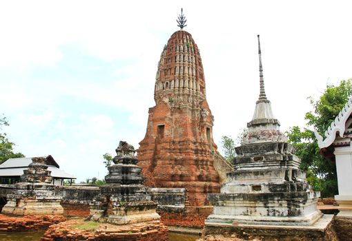 Old Thailand temple. This is the Prang of Wat Prasrirattana Maha