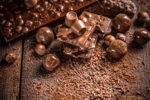 Chocolate bars and pralines