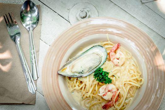 spaketi seafood lunch time .