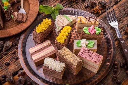 Cakes with cream