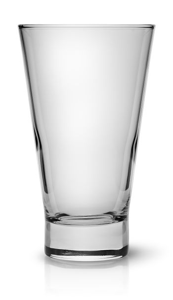 Wide glass for cocktail