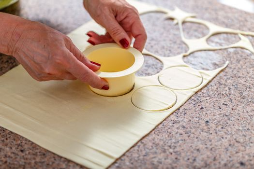 Cutting dough with mold