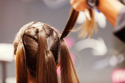 making coiffure