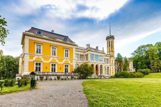 Karolyi Castle