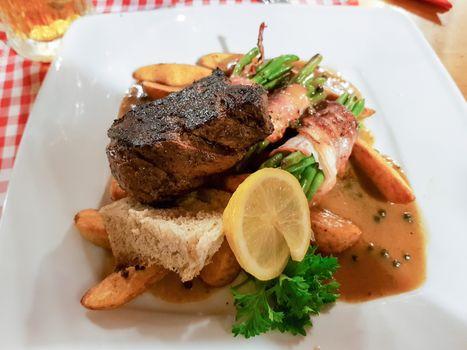 Grilled beefsteak with vegetable