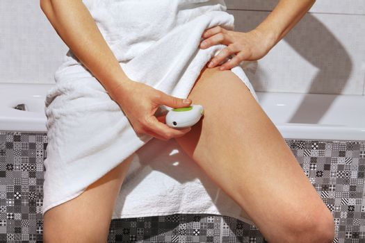 part of woman body that she shaves by epilator