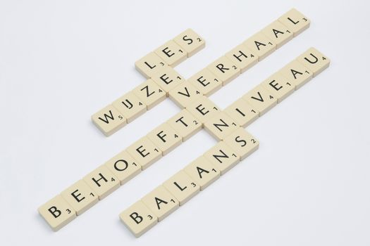 Six scrabble words related to the word life in Dutch