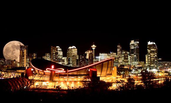 Calgary Full moon