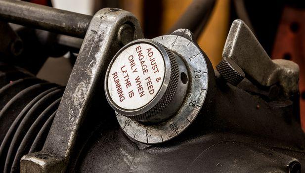 Vintage antique automotive machine shop brake lathe feed dial indicator