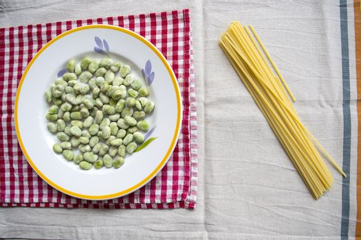 spaghetti with broad beans