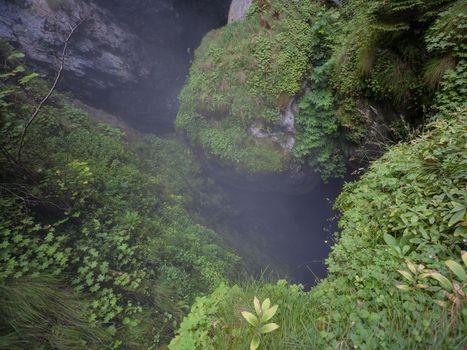 Rocks Green Mist