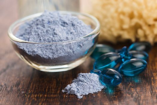 Blue clay mask with serum capsules