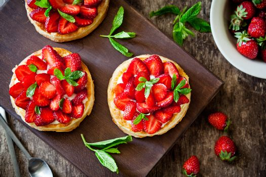 Puff Pastry Dessert With Strawberries